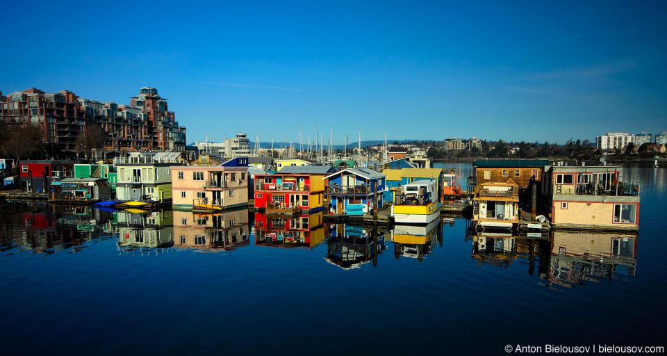 Fisherman's wharf — плавучая деревенька о 33-х домиках и рыбацкая пристань в центре Виктории