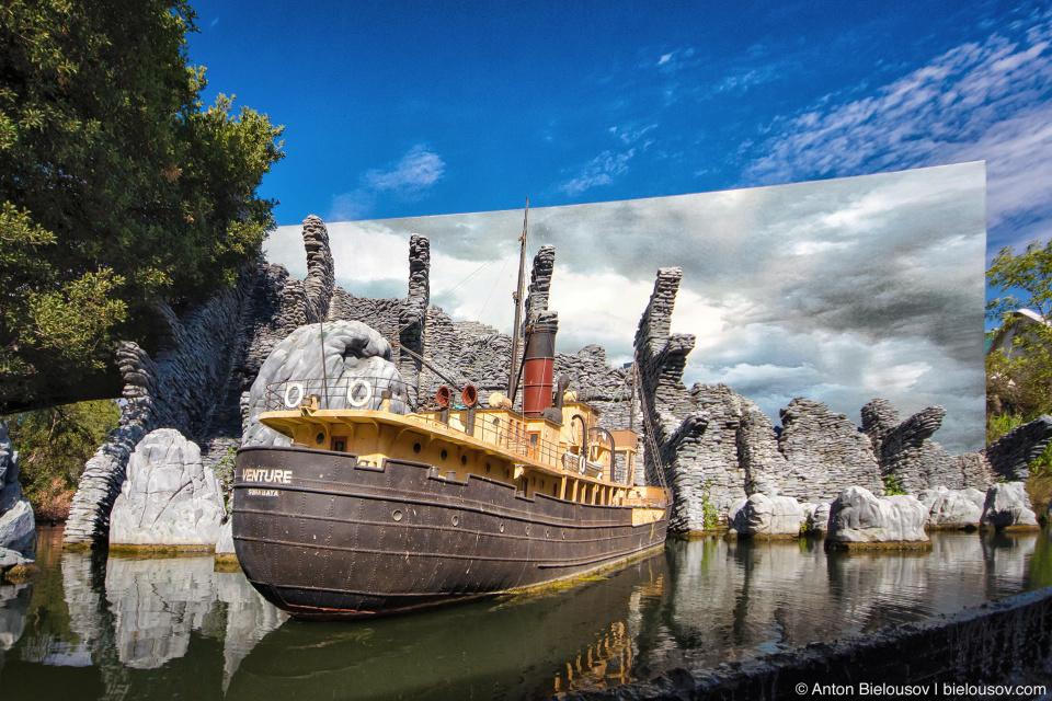 Peter Jackson's King Kong Scull Island Bigature at Universal Studios Backlot, Hollywood, CA